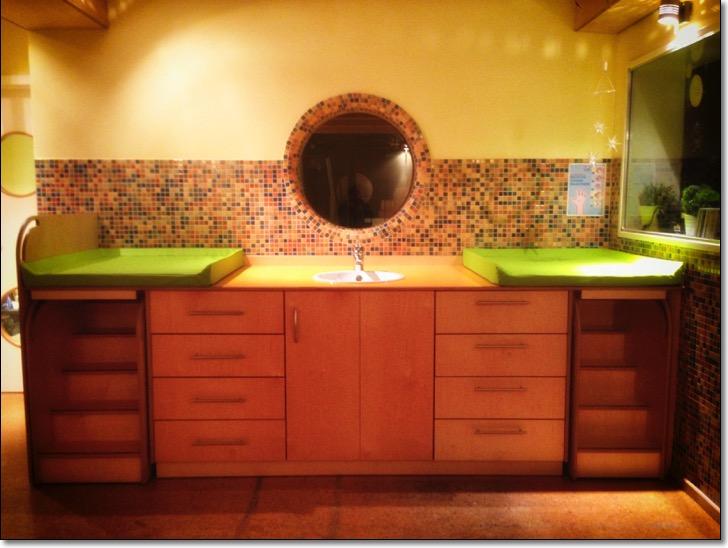 wickeltisch wickeltische tischlerei holzwerkstatt kaesebier hamburg tischler hamburg. Black Bedroom Furniture Sets. Home Design Ideas