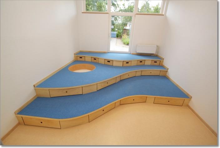 Stufenpodeste baupodeste tischler kita kindergarten for Spielpodest kinderzimmer