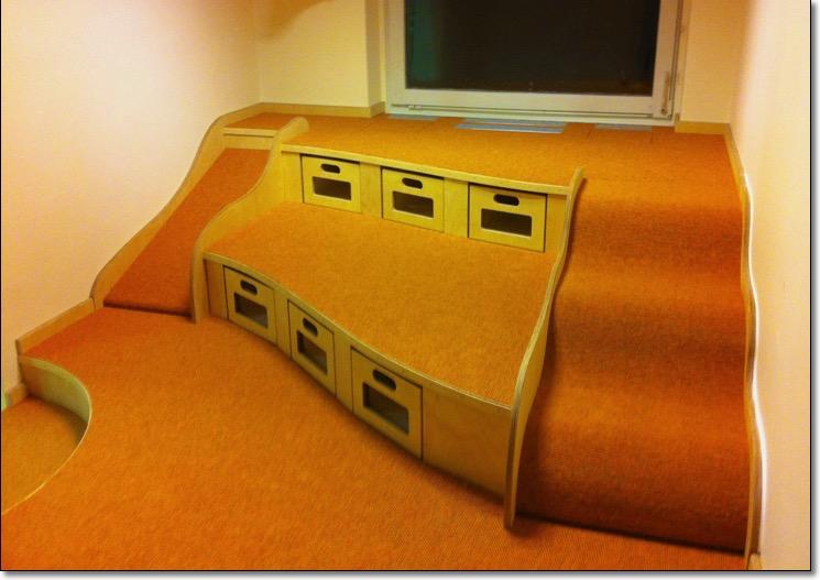stufenpodeste baupodeste tischler kita kindergarten tischlerei holzwerkstatt kaesebier. Black Bedroom Furniture Sets. Home Design Ideas